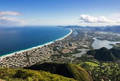 Tour Rio 5 — Western beaches, Barra da Tijuca, Casa do Pontal Folk Art Museum, Legep and H. Stern Museum. Duration: 8 hours